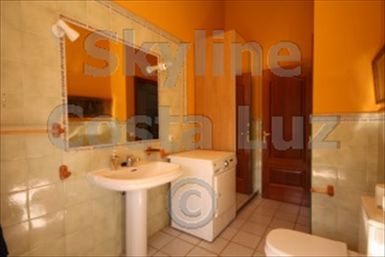 ref arn bathroom 1