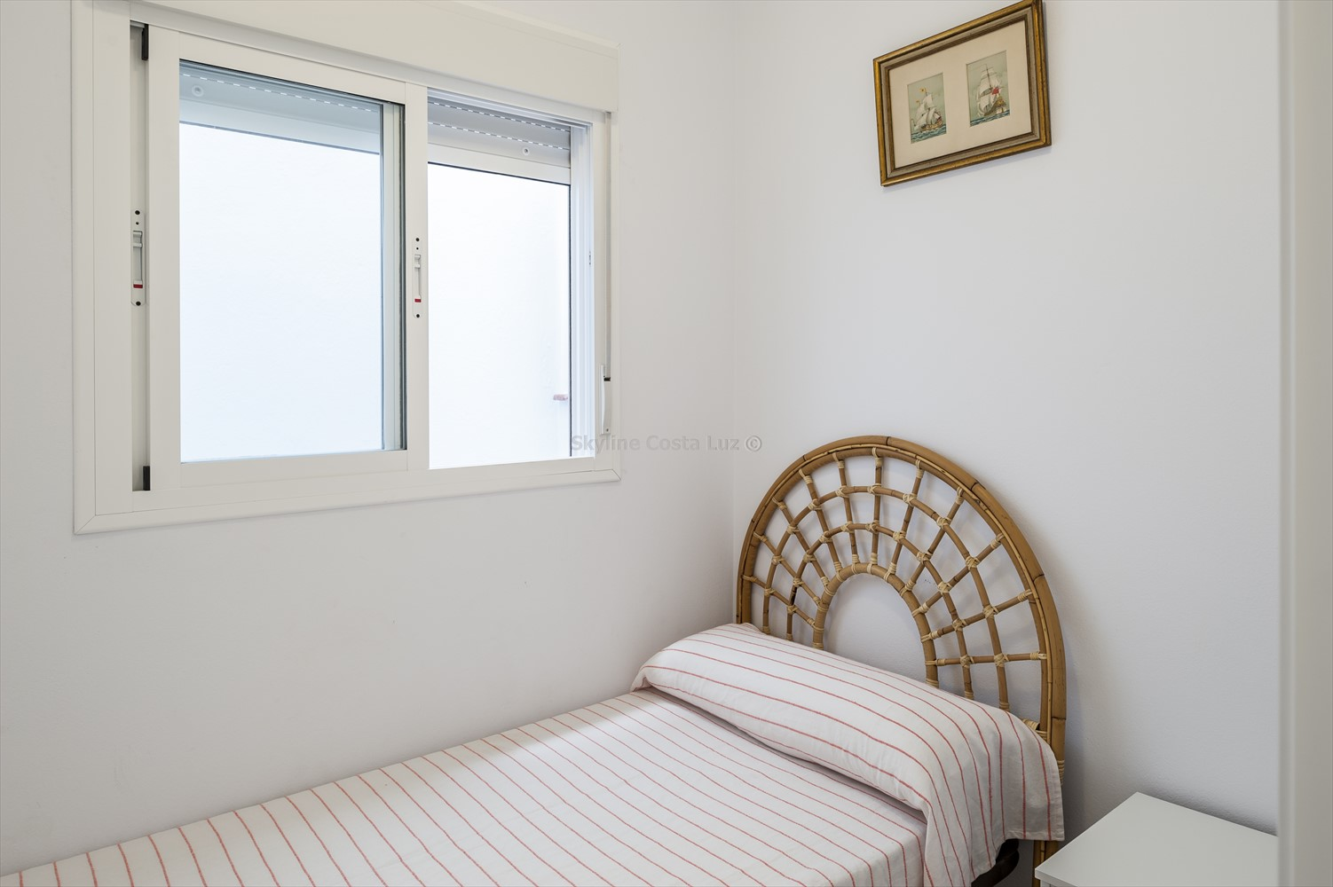 wohnung zum verkauf in conil de la fra. Black Bedroom Furniture Sets. Home Design Ideas